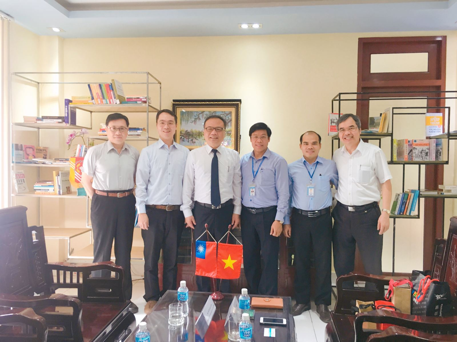 Welcoming president and leaders from Meiho University (Taiwan)